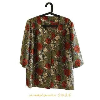 🚚 精緻花圖騰/路邊的野花不要採/穿起來好像哪裡來的館長/古著/罩衫/U形領