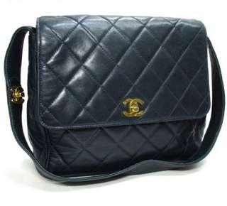 Vintage Chanel海軍藍羊皮金扣大方胖shoulder bag 23x21x8cm