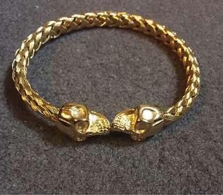 Dual skull bracelet