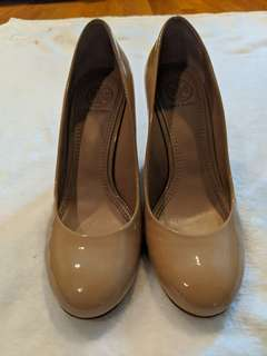 Size 5.5 AUTHENTIC Tory Burch wedges