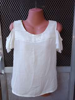 Semi formal white chyffon blouse
