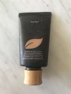 Tarte Amazonian clay foundation - medium sand