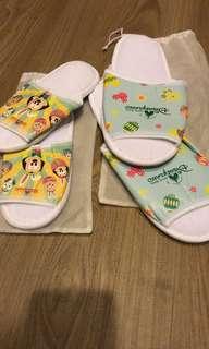 🚚 香港迪士尼酒店拖鞋一大ㄧ小