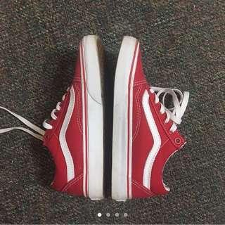 Red Vans Old Skools size 6/6.5