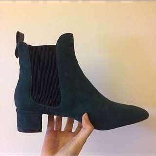 Zara Chelsea Boots size 6.5