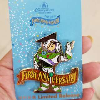 Buzz Disney pin LR 上海1週年巴斯光年迪士尼章