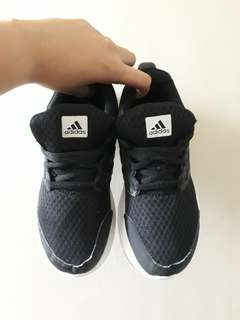 Authenytic Adidas cloudfoam 2017 not nike or lacoste