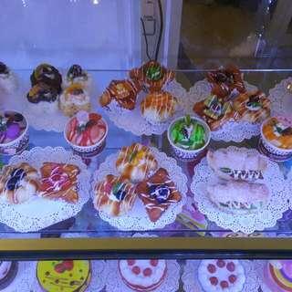 Squishy Ref Magnet Cakes