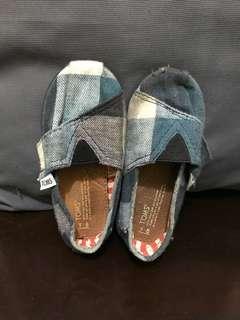 Preloved Toms shoes for kids