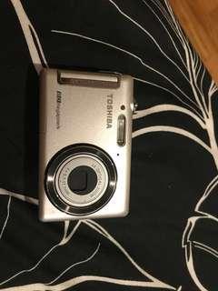 Toshiba digital camera 8 mega pixel
