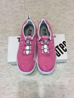 Kroten 輕量鞋 運動鞋 休閒鞋 輕便鞋 便利鞋 科克蘭 好市多 Kirkland 懶人鞋