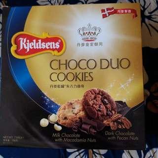 丹麥皇室御用藍罐朱古力曲奇Kjeldsens Chocolate Cookies 750gm 或 OR 藍罐牛油曲奇 900gm 每盒$45,二盒 $80 / 2