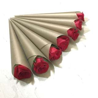 Single Red Rose in Gold / Anniversary Gift / Birthday Rose