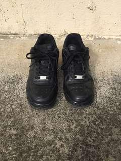 authentic Af1 triple black US7.5
