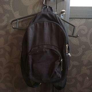 Backpack hitam