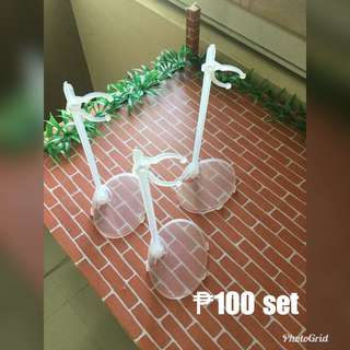 Doll stand