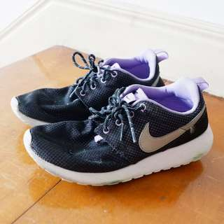Nike Black and Purple Roshe Sneakers