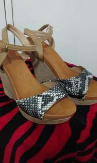shoe wedge with snake skin design