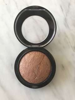 Mac mineralise skin finish bronzer- global glow