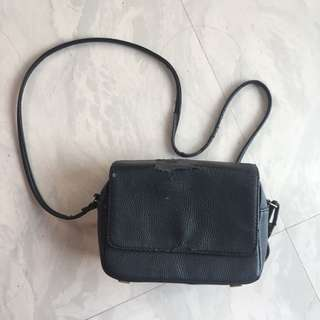 H&M black sling bag