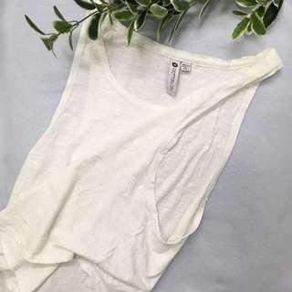 (F) white top