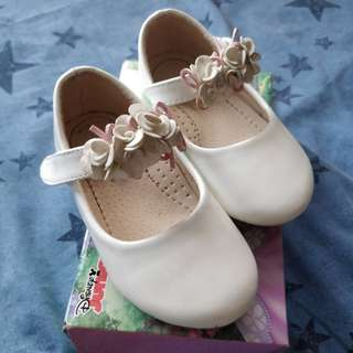 Girl Shoes size 23