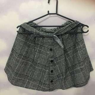 rok // checkered skirt