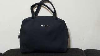 🚚 時尚二手屋JAGUAR黑色手提包