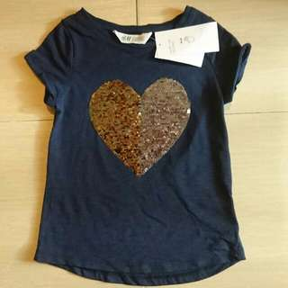 New in Tag H&M Reversible Sequins Heart Girl Tshirt 4-6Y