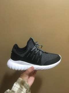 🚚 Adidas tubular 慢跑 鞋