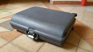Leader Hardcase Luggage Bag