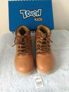 Tough kids shoes for boys