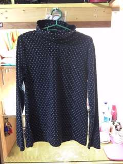 Turtle neck sweater (polka dots)