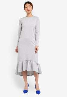 Kitschen ruffles midi dress in grey