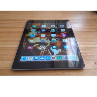 New IPad 2017 Gen 5 32GB Wifi Only (Second)