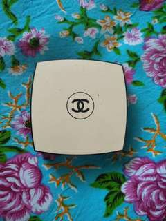 chanel les beiges sheer compact powder