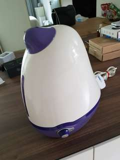 EuropAce HUMIDIFIER MODEL EHM200P 25W CONDITION  GOOD WORKING WELL