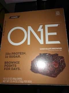 Chocolate brownie ONE protein bars