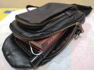 Unisex chest bag