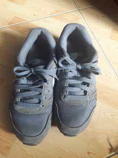 Authentic nike rubber shoes