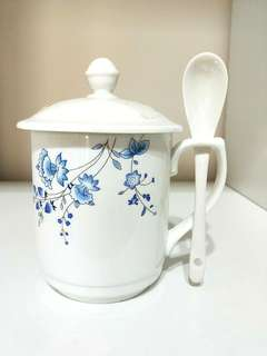 ♥VINTAGE TEACUP♥ WITH COVER LID & MATCHING SPOON!! PRICE IN A SET!! REALLY CANT REM IF I USED IT BEFORE, BUT PUT USED JUST IN CASE, IF REALLY USED BEFORE, JUST ONCE!! GOOD COND EXCEPT A SMALL CHIP REFER TO LAST PIC!! GREAT AS A GIFT OR FOR URSELF!! HURRY!