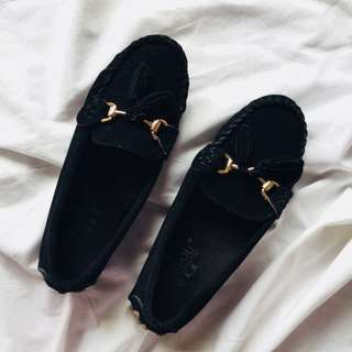 Black Basic Loafers
