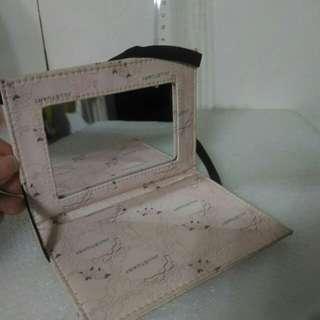 🚚 隨身攜帶方便化妝鏡