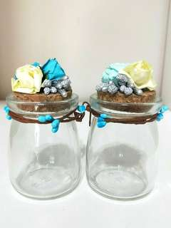🚚 ♥RETRO VINTAGE♥ DOUBLE GLASS CORK BOTTLES WITH FLORAL DESIGNS!! BEAUITUFL AS A HOUSEWARMING GIFT OR EVEN FOR 💒 WEDDING/ PROPOSALS!! OR SOMETHING SWEET FOR YOUR PARTNER!! BIG OPENING OF BOTTLE, ABLE TO PUT ROUND CHOCOLATES!! ONLY 2!! HURRY!!! GRAB IT!!