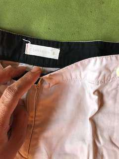 Celana pendek. Tampilan rok. Size 8. Merek Connexion. Good condition.