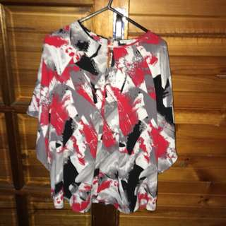 Red white black graphic print bat wing maternity top
