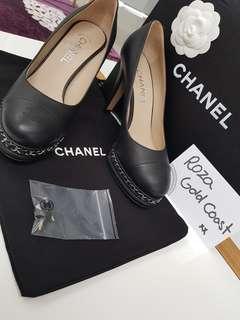 Authentic Chanel Leather Chain Cap-Toe Pumps Size38.5