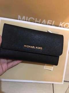 Michael Kors Saffiano Wallet 💯 Authentic