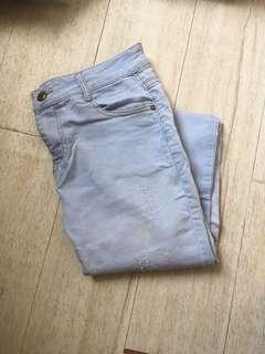 微破爛款牛仔褲