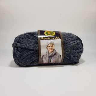 Lion Brand Yarns super bulky acrylic yarn (Chicago Charcoal)